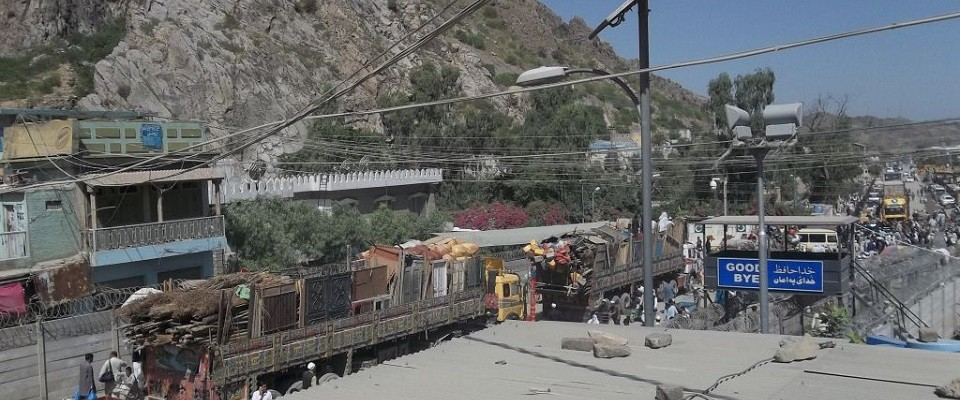 Afghan Refugees Crossing Torkham Border